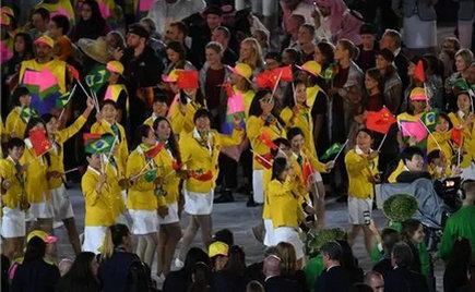 刘潭服装:饿了吗?中国奥运健儿运动服装很中国