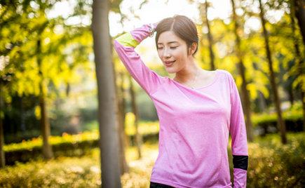 休闲服装加工:针织和休闲搭配让你十一出游实用又养眼