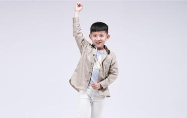 刘潭服装:童装要想穿的好,颜值与健康都不能少