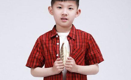 乍暖还寒时节,刘潭服装与您分享如何挑选健康舒适的童装