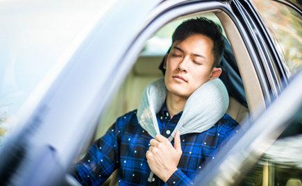 刘潭服装:U型护颈枕,让你的生活体验更热忱