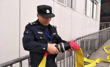 刘潭服装:刘潭和兴源路消防中队来我司进行消防演练