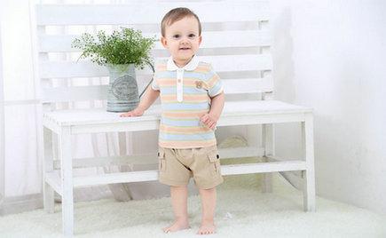 刘潭服装:春天到了,妈妈们该怎么帮宝宝们穿衣服呢?