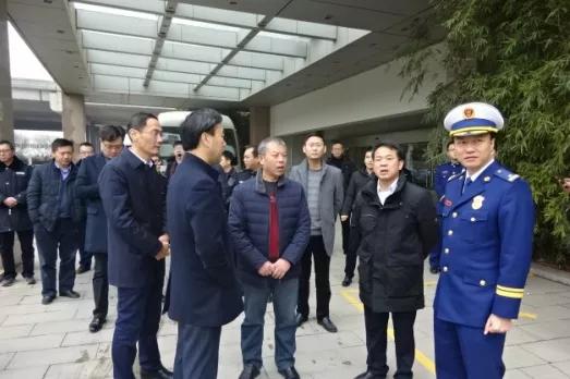 许立新区长一行人来到刘潭亚博yabo娱乐检查、指导安全生产工作