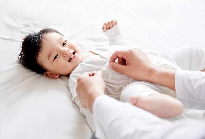 刘潭服装:给宝宝挑选童装有什么要点?