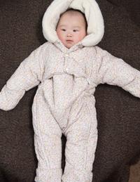婴儿连体带帽棉爬