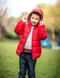 儿童冬季纯色连帽外套