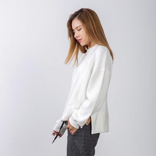 女白色休闲卫衣